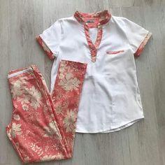 Roupa Cute Nursing Scrubs, Nursing Clothes, Dental Uniforms, Work Uniforms, Spa Uniform, Scrubs Uniform, Dr Coats, Scrubs Outfit, Workwear