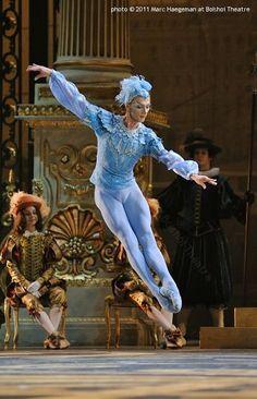 The Sleeping Beauty - Bolshoi ballet - Photo Marc Haegeman Ballet Boys, Male Ballet Dancers, Ballerina Dancing, Bolshoi Ballet, Ballet Tutu, Ballet Costumes, Dance Costumes, Baby Costumes, Seven Dwarfs Costume