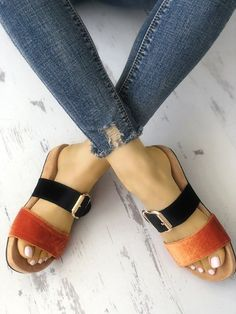 Womens Flat Strappy Outdoor Slippers Shoes Source by heatherlowrystyle Shoes outfit Flat Sandals, Leather Sandals, Women's Shoes Sandals, Wedge Shoes, Shoe Boots, Strappy Shoes, Shoes Sneakers, Studded Heels, Cute Shoes