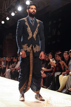 Anju Modi Lakme Fashion Week Winter 2014-8