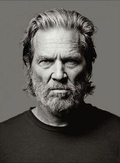 Jeff Bridges by Mark Seliger. (via Jeff Bridges by Mark. Jeff Bridges, Lloyd Bridges, Foto Portrait, Portrait Photography, Light Photography, Man Portrait, Photography Tips, Men With Grey Hair, Celebrity Portraits