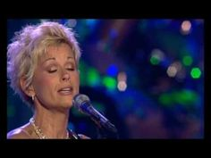 Lorrie Morgan  -  A Picture  of me Without You -   George Jones And Friends 50th Anniversary Tribute Concert 2007