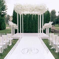 Propositions Mariage, Wedding Reception Backdrop, Wedding Chuppah, White Wedding Decorations, Decor Wedding, Garden Wedding, Wedding Ideas, All White Wedding, Wedding Altars