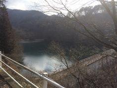 牛伏寺砂防ダム。牛伏寺の脇牛伏(うしふせ)川が流れているのですが、水遊びの広場やキャンプ場が整備されていて、夏にハイキングにきても面白そうでした。
