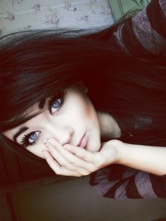 love her makeup and pretty face <3