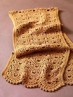 Make It Crochet | Your Daily Dose of Crochet Beauty | Free Crochet Pattern: Sweet Scallops Shawl