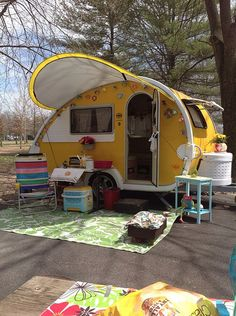 teardrop campers plans to build - Αναζήτηση Google Teardrop Camper Plans, Teardrop Trailer, Shepherds Hut, Camping Style, Outside Living, Caravans, Happy Campers, Travel With Kids, Motorhome