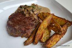 antricot de vita cu sos de ciuperci si smantana steak diane Parmezan, Diana, Main Dishes, Food And Drink, Wedges, Paste, Modern, Handmade, Celery