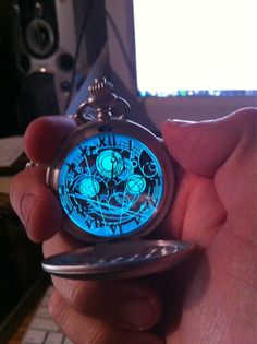 There are no words for how amazing this is...like seriously. AMAZING. Do you knowwwww what this is?!?! It's a Gallifreyan fob watch!! My life=made