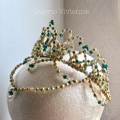 プリンセスティアラⅠ http://glviviennetiara.net/items/57b2b50a9821cc9f640005ea.net/items/ スワロフスキービーズをライトピンクから エメラルド系にカラーチェンジしました。 7月の舞台でお使いになられるそうです。 ありがとうございます! #バレエティアラ #バレエ発表会 #バレエコンクール #ギャルリーヴィヴィエンヌ #tiara #ballet #balletcostume #headpiece #ballettiara #balletcompetition