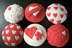 Birthday Cake Photos - Valentines Cupcakes