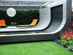 Hot garden seating & water feature. Whoa.