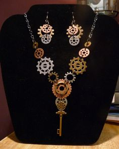 Steampunk necklace and matching earings