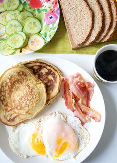 Hämmentäjä: Täydellinen aamianen. Amerikkalaisia pannukakkuja. The perfect breakfast. American pancakes.