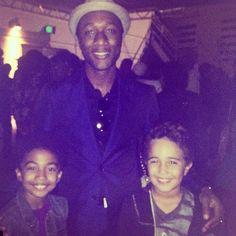 Isaiah w Miles and Singer Aloe Blacc at #Hollywoodbowl #jamesbrowntribute .#kidhollywood  #dirteehollywooddance #HollywoodMusicWeek @HwoodMusic Courtesy of theofficialdirteehollywood