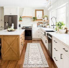 Wood Kitchen Island, Wood Kitchen Cabinets, Kitchen Rug, New Kitchen, White Cabinets, Kitchen Ideas, Compact Kitchen, Kitchen Small, Kitchen Trends