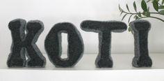Knitted decor letters Knitting Blogs, Crochet Projects, Knits, Knit Crochet, Letters, Decor, Decoration, Ganchillo, Letter