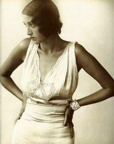 Renée Perle 1930's by Jacques-Henri Lartigue