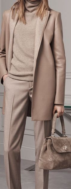 Classic fashion outfits, classic outfits for women, classy work outfits, la Office Fashion, Work Fashion, Fashion Looks, Curvy Fashion, Street Fashion, Trendy Fashion, Style Work, Mode Style, Classy Work Outfits