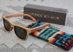 Elegantes gafas de sol de madera
