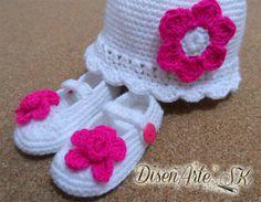 @DisenArteSK  Juego de gorrito y zapatillas ideales para tu bebé! Haz tu #encargoSK YA! #colores #meses #diseños