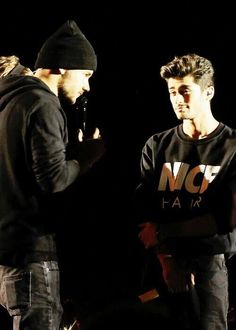 Zayn: Damn, my man is handsome.>> even his shirt compliments him..