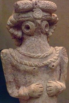 Ancient Aliens 550142910704011559 - Pottery figurine from the Middle Euphrates EBIV BCE Source by pholivier Ancient Mesopotamia, Ancient Civilizations, Ancient Aliens, Ancient History, Mystery Of History, History Mysteries, Ancient Goddesses, Cradle Of Civilization, Moon Goddess