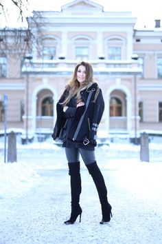 Fashion Blogger. Anna  - Mongolife. Suede Over The Knee Boots. Zara.