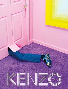 « After a countdown week of teaser Gifs, we are excited to finally reveal the Kenzo Fall/Winter 2014 campaign, our third collaboration with the trio from Toiletpaper Magazine! The Kenzo Fall-Winter 2014 campaign takes us on a mysterious journey to an. Foto Fashion, Fashion News, Fashion Art, Fashion Brands, Fashion Design, Parisian Fashion, Trendy Fashion, Parisian Style, Latest Fashion
