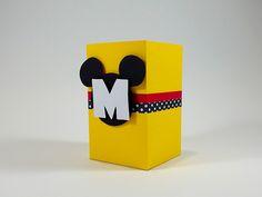 Caixinha personalizada Mickey para decorar e encantar a festinha do seu filho. Tema Mickey.