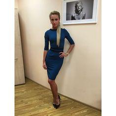 """Девочки, я сегодня в платье изумрудного цвете моей коллекции осень-зима 2014-2015 С&C by Olga Buzova!!!Платье уже есть в наличии во всех магазинах """"C&C"""", еще и в сиреневом цвете, цена 4990руб☺️ пояс снимается, если что ТЦ лотте Плаза, 3 этаж!!! #всесвоеношусама#dressbyolgabuzova"""