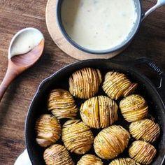 Hasselback Potatoes & Roasted Garlic Smoked Gouda Sauce: a cross between potato chips & baked potatoes w/crispy outside & creamy