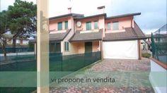 SIV472 Villetta a schiera di testa in residence con piscine in vendita a...