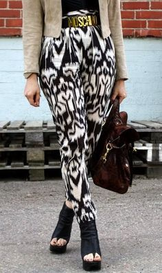 The Moschino Belt and printed pants!