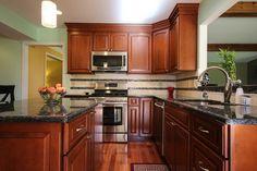Girish & Sangeeta's Kitchen - traditional - kitchen - detroit - Dream Kitchens nice------tile flooring