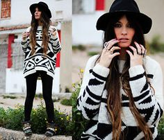 My lovely man just got me a sweater like this and I'm gonna do it up exactly this way!