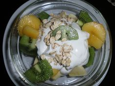 Pequenos almoços e lanches Ice Cream, Eggs, Breakfast, Desserts, Food, Yogurt, Oatmeal, Noodle, Box Lunches