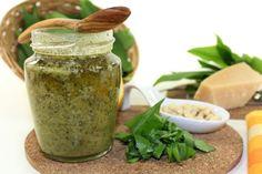 Pesto z medvedieho cesnaku a vlašských orechov