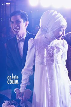 Dhatu Rembulan's and Tria Changcuters's wedding muslim wedding gown inspiration