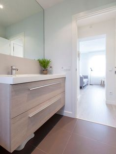 Una vivienda de estilo nórdico en Madrid Bathing Beauties, Nordic Style, Architecture, Double Vanity, Ikea, Sweet Home, Bathtub, Interior Design, Room Interior