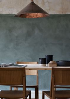 washed away blue with copper hues for subdued tones. Frama / dining