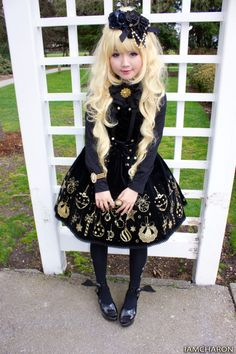 AP black and gold lolita jumperskirt. It was one of my dream dresses for the holidays Harajuku Fashion, Lolita Fashion, Gothic Fashion, Fashion Outfits, Dark Fashion, Asian Fashion, Gothic Lolita, Gothic Mode, Japanese Street Fashion