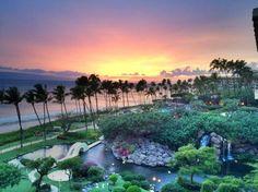 Hyatt Regency Maui Resort and Spa: Maui Sunset from room 571
