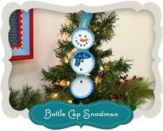 Fun snowman Christmas ornaments made from painted bottle caps can be easily hung on the tree or the mantel. #Holiday