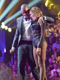 Bey & Jay weren't the only couples who reigned at the Grammys! Check out Paula Patton & Robin Thicke, Pink & Carey Hart and more cozy twosomes at music's biggest night!