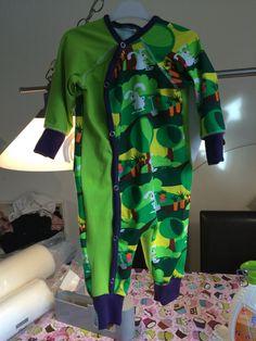 Pyjamas stl.74 (slarvigt tagen bild. Väldigt fin på)