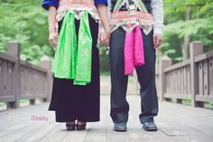 hmong clothes engagement shoot from prettygeeky.com