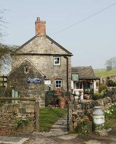 Vintage Shop and Cottage in  Tissington, England