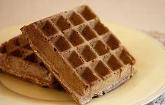 WW Oat Bran Waffles Main Course and Recipe Healthy Protein Breakfast, Healthy Cake, Healthy Recipes, Waffel Vegan, Hoe Cakes, Crispy Waffle, Bowl Cake, Ww Desserts, Breakfast Time