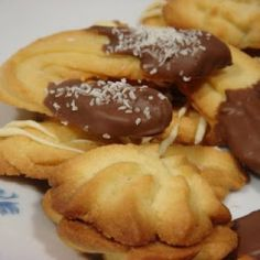Galletas Alemanas Spritzgebâck German Biscuits, Tasty Videos, Empanadas, Cake Cookies, Cupcakes, Christmas Cookies, Sweet Recipes, French Toast, Good Food